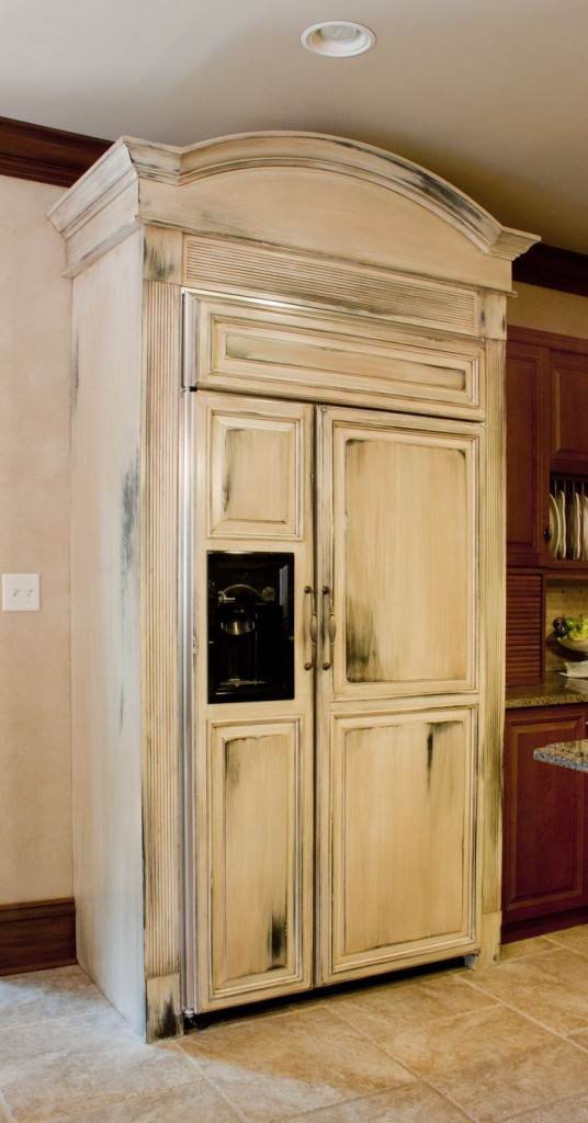 Distress-Painted Fridge: How to Distress Paint