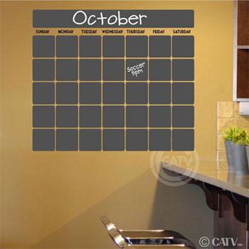 Superbe Chalkboard Calendar In Kitchen